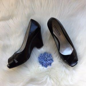 Black Patent Leather Moda Spana Peep Toe Heels